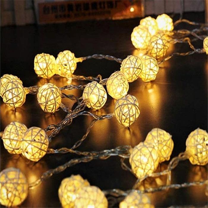Rattan Bambu Top Beyaz Sıralı Led Işık Dekoratif Lamba Aydınlatma